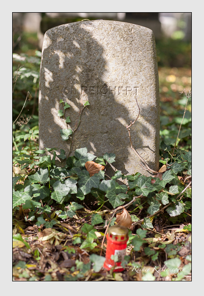 Grab der Familie Reichert auf dem Alten Südfriedhof München (Oktober 2007)