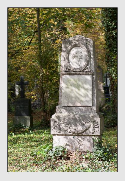 Grab der Familie Bauer auf dem Alten Südfriedhof München (Oktober 2007)