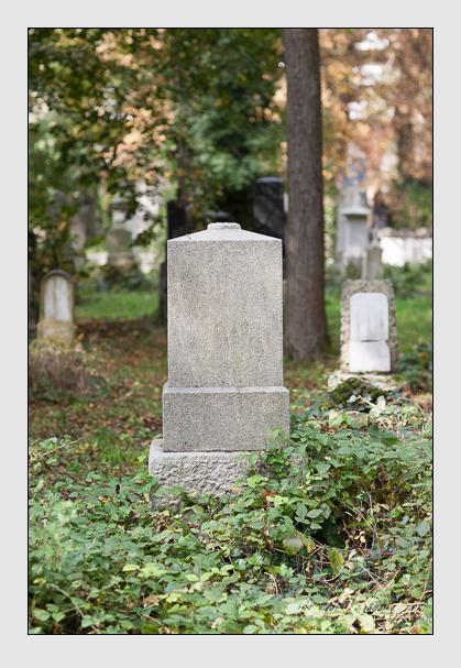 Grab der Familie Vogel auf dem Alten Südfriedhof München (Oktober 2007)