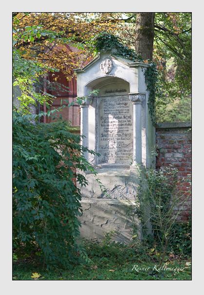 Grab der Familien Asch & Schrenk auf dem Alten Südfriedhof München (Oktober 2007)