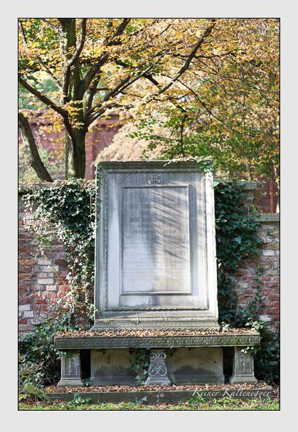 Grab der Familien Harlander & Heideck auf dem Alten Südfriedhof München (Oktober 2007)