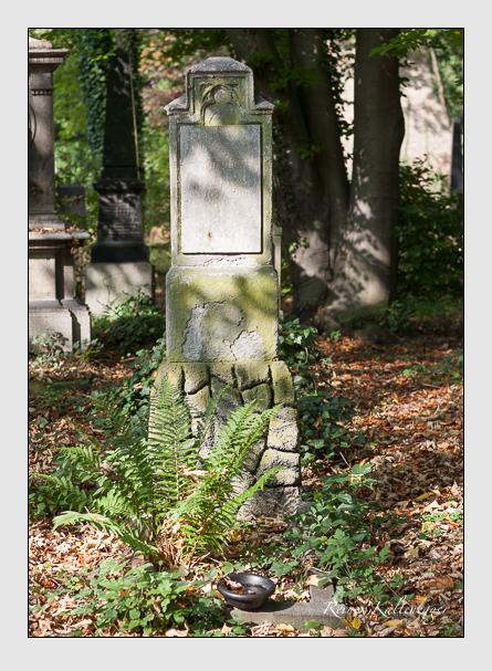 Grab der Familie Wolfsteiner auf dem Alten Südfriedhof München (Oktober 2007)
