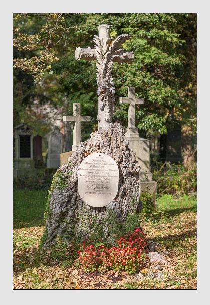 Grab der Familie Zettler auf dem Alten Südfriedhof München (Oktober 2007)