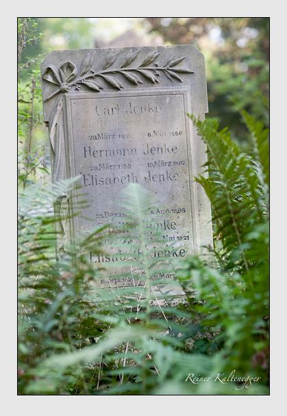 Grab der Familie Jenke auf dem Alten Südfriedhof München (Oktober 2007)
