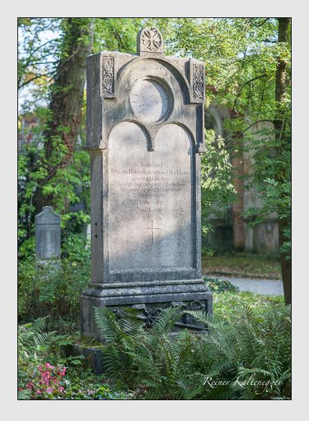 Grab der Familie Hohenhausen auf dem Alten Südfriedhof München (Oktober 2007)