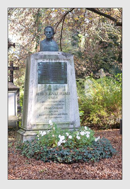 Grab der Familien Ott & Perner auf dem Alten Südfriedhof München (Oktober 2007)