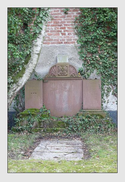 Grab der Familien Lachner & Redenbacher auf dem Alten Südfriedhof München (März 2008)