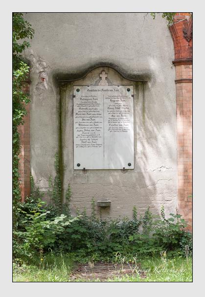Grab der Familie Auer auf dem Alten Südfriedhof München (Juli 2008)