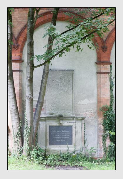 Grab der Familie Kobinger auf dem Alten Südfriedhof München (Juli 2008)