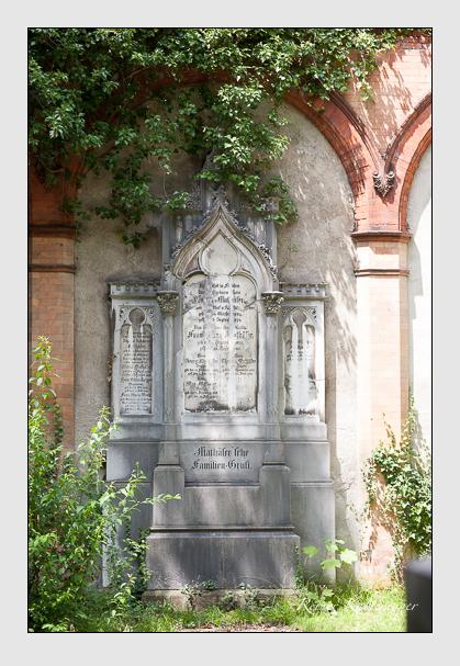 Grab der Familien Mathäser · Solger · Wenzl auf dem Alten Südfriedhof München (Juli 2008)