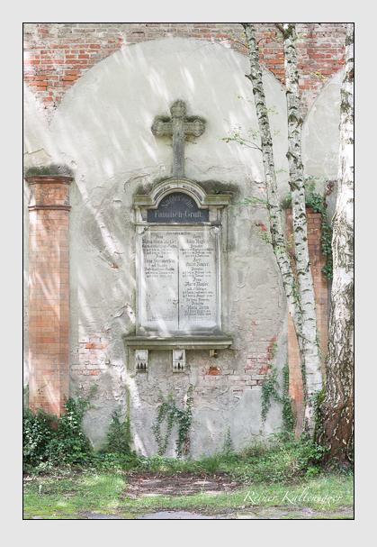 Grab der Familien Diehm & Nagler & Schwaighofer & Simmerlein auf dem Alten Südfriedhof München (Juli 2008)