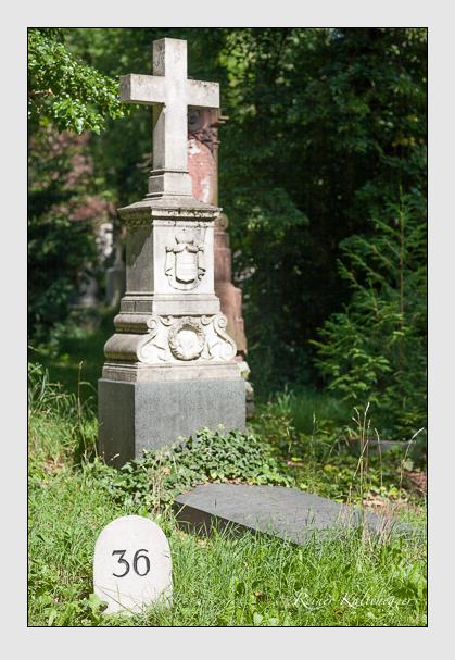 Grab der Familie Ysenburg-Philippseich auf dem Alten Südfriedhof München (Juli 2008)