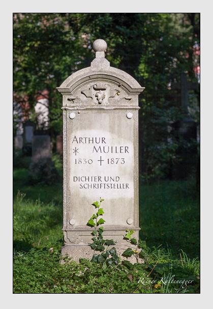 Grab der Familie Müller auf dem Alten Südfriedhof München (August 2011)