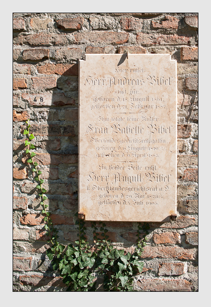 Grab der Familie Bibel auf dem Alten Südfriedhof München (September 2011)