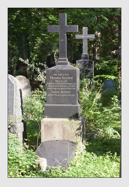Grab der Familien Kriebel & Winter auf dem Alten Südfriedhof München (September 2011)
