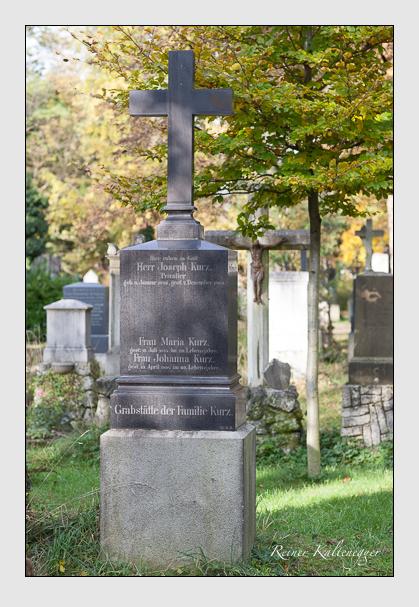 Grab der Familie Kurz auf dem Alten Südfriedhof München (Oktober 2011)