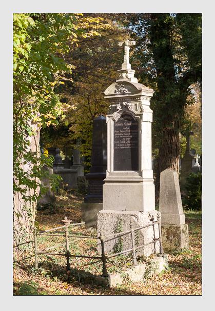 Grab der Familien Schretzmayr · Uttenthaler auf dem Alten Südfriedhof München (November 2011)