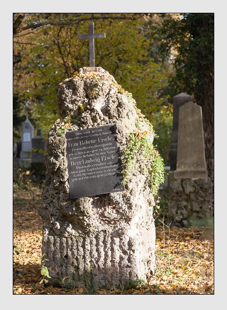 Grab der Familie Eisele auf dem Alten Südfriedhof München (November 2011)