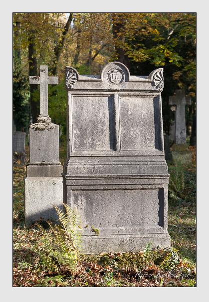 Grab der Familie Karg-Bebenburg auf dem Alten Südfriedhof München (November 2011)