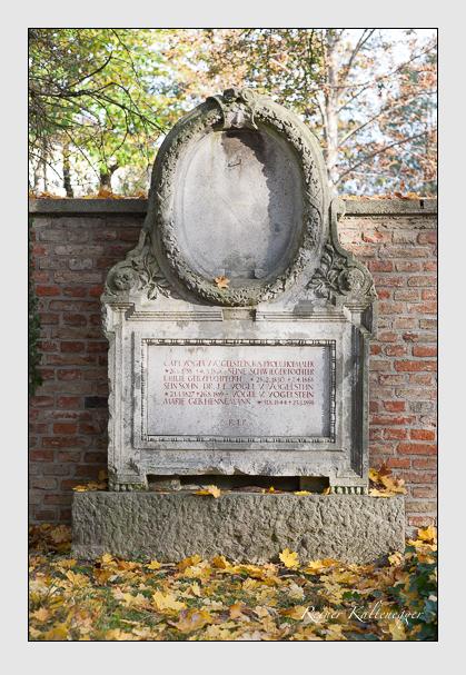 Grab der Familie Vogel von Vogelstein auf dem Alten Südfriedhof München (November 2011)