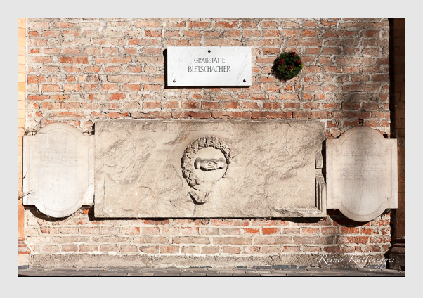 Grab der Familien Aidlsburger · Bletschacher · Höcht auf dem Alten Südfriedhof München (November 2011)
