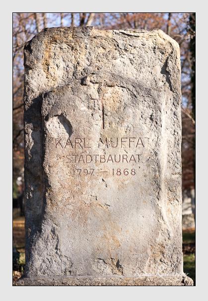 Grab der Familie Muffat auf dem Alten Südfriedhof München (November 2011)