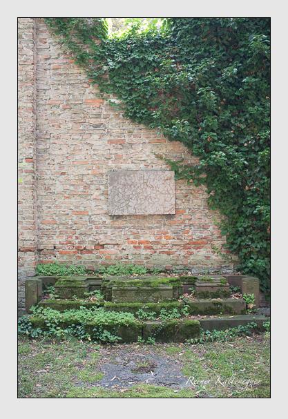 Grab der Familie Unna auf dem Alten Südfriedhof München (Juli 2012)