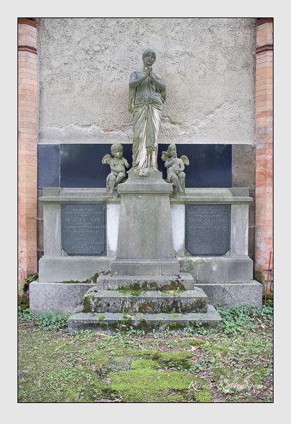 Grab der Familie Lang auf dem Alten Südfriedhof München (Juli 2012)