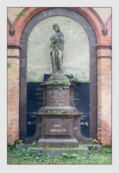 Grab der Familie Meyer auf dem Alten Südfriedhof München (Juli 2012)
