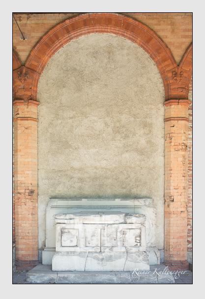 Grab der Familie Thurn und Taxis auf dem Alten Südfriedhof München (Juli 2012)