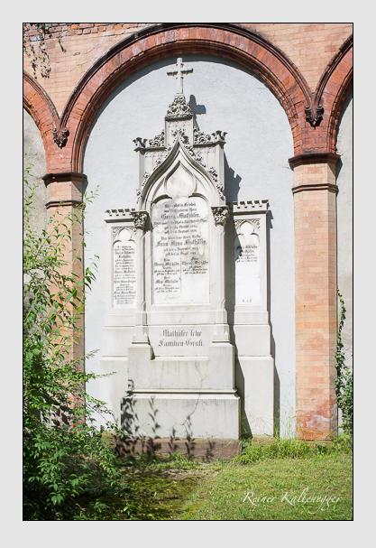 Grab der Familien Mathäser · Solger · Wenzl auf dem Alten Südfriedhof München (August 2012)
