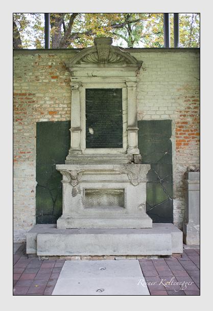 Grab der Familien Brunner & Haubenschmied & Schauss & Sprengler auf dem Alten Südfriedhof München (August 2012)