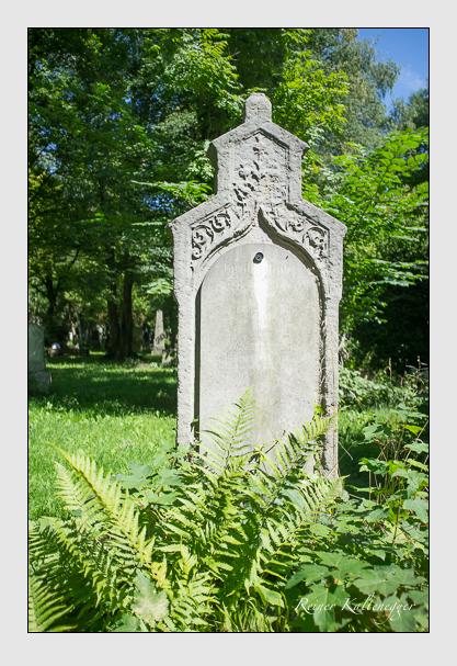 Grab der Familie Pfeufer auf dem Alten Südfriedhof München (August 2012)