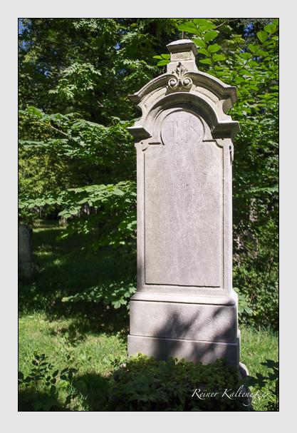 Grab der Familie Birzer auf dem Alten Südfriedhof München (August 2012)