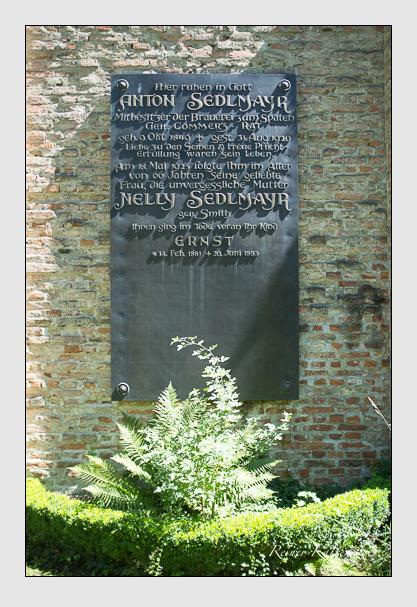 Grab der Familie Sedlmayr auf dem Alten Südfriedhof München (August 2012)