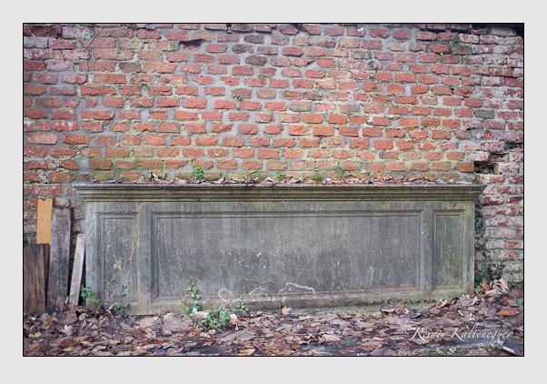 Grab der Familie Karg von Bebenburg auf dem Alten Südfriedhof München (Dezember 2012)