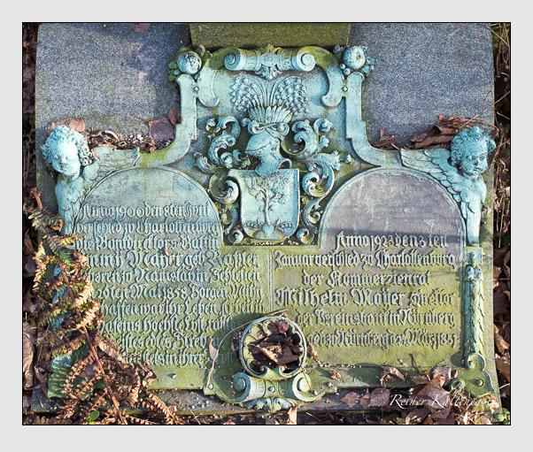 Grab der Familien Mayer & Urban auf dem Alten Südfriedhof München (Dezember 2012)