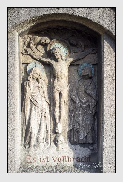 Grab der Familie Malia auf dem Alten Südfriedhof München (Dezember 2012)