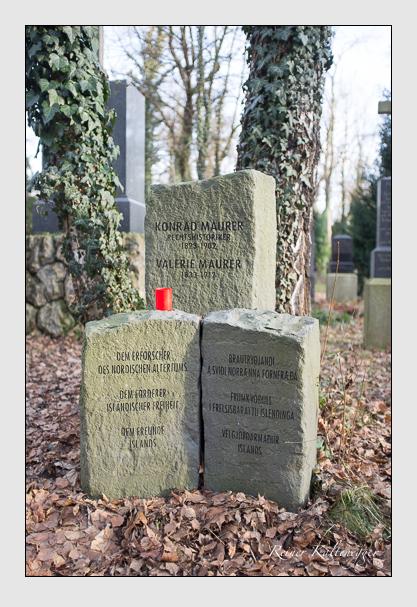 Grab der Familie Maurer auf dem Alten Südfriedhof München (Dezember 2012)