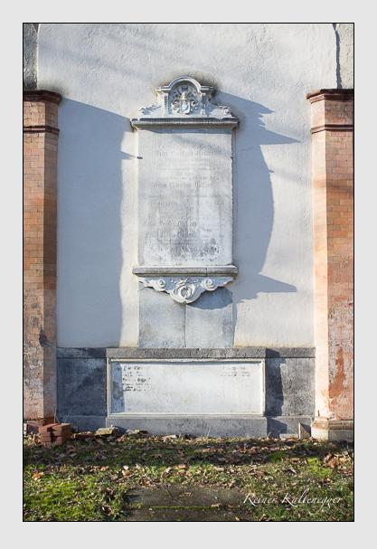 Grab der Familie Eckart auf dem Alten Südfriedhof München (Dezember 2012)