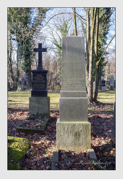 Grab der Familien Dennerlein · Fleckinger auf dem Alten Südfriedhof München (Dezember 2012)