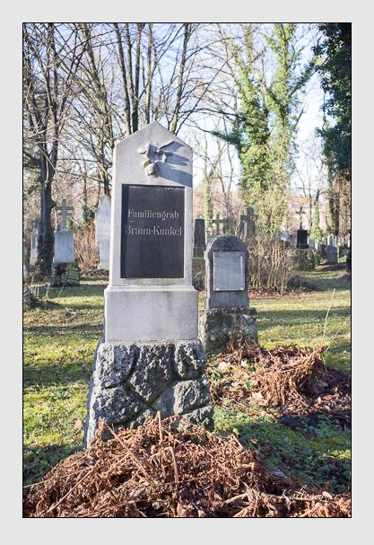 Grab der Familien Braun · Kunkel auf dem Alten Südfriedhof München (Dezember 2012)