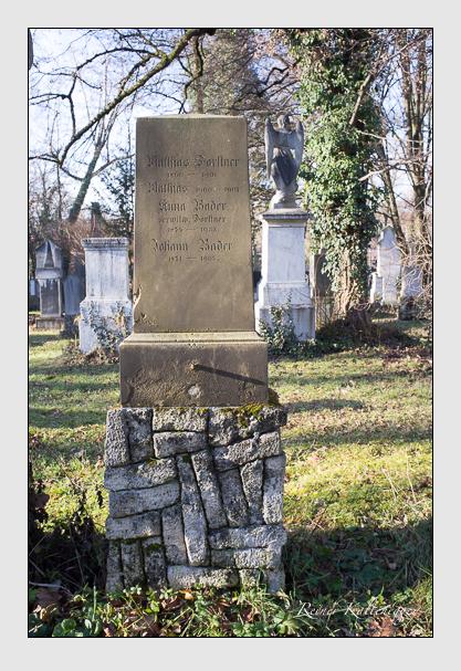 Grab der Familien Bader & Forstner auf dem Alten Südfriedhof München (Dezember 2012)