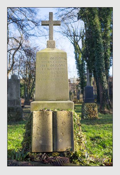 Grab der Familie Ortloph auf dem Alten Südfriedhof München (Dezember 2012)