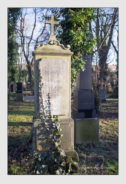 Grab der Familie Holle auf dem Alten Südfriedhof München (Dezember 2012)