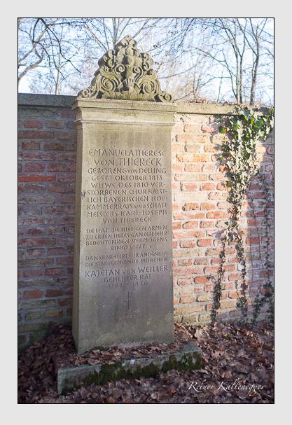 Grab der Familien Thiereck & Weiller auf dem Alten Südfriedhof München (Dezember 2012)