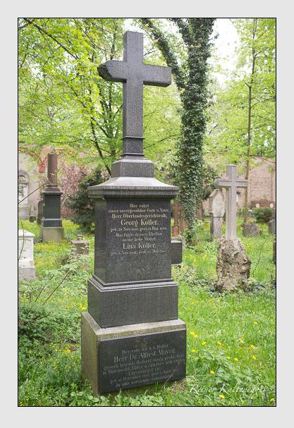 Grab der Familien Koller & Mayer auf dem Alten Südfriedhof München (Mai 2013)