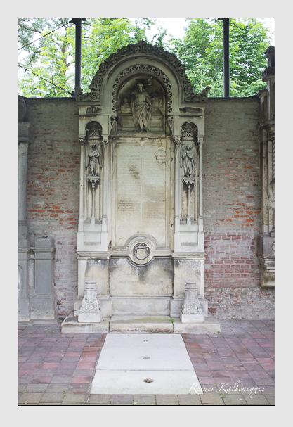 Grab der Familien Baligand · Greiner · Heusler auf dem Alten Südfriedhof München (Juni 2013)