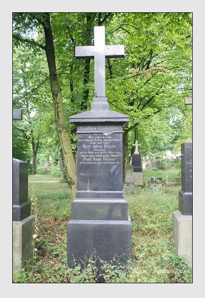 Grab der Familie Reiser auf dem Alten Südfriedhof München (August 2013)