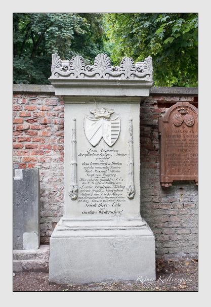 Grab der Familien Freyberg & Freyberg-Eisenberg auf dem Alten Südfriedhof München (August 2013)